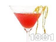 Рецепта Коктейл Космополитан (Cosmopolitan) с водка, коантро, лимон и сок от боровинки